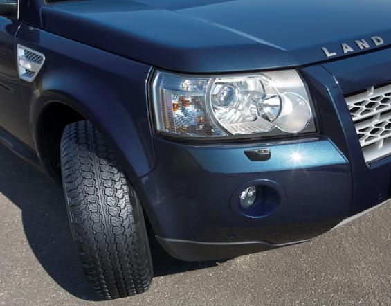 Wrangler AT/SA auf dem Land Rover (Bild: Goodyear)